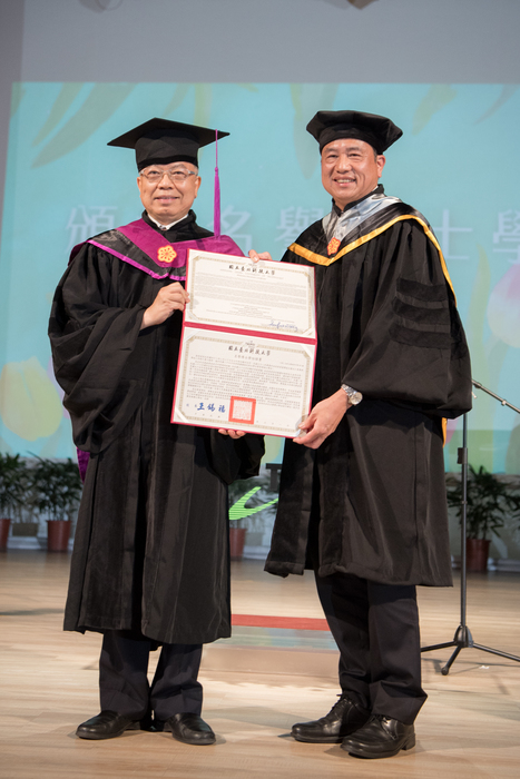 Paul Peng was conferred the honorary doctorate degree by his alma-mater Taipei Tech.
